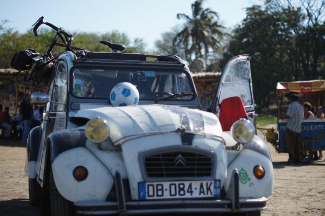 Deux ballons et un vélo